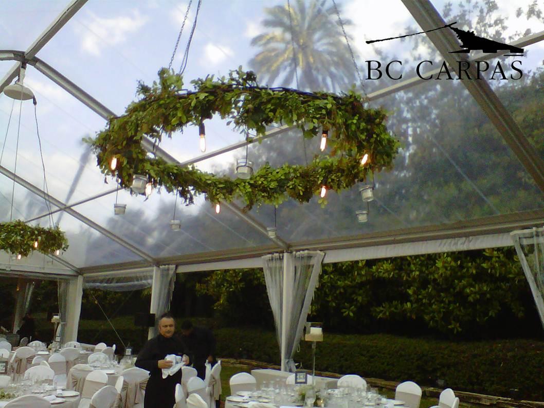 Boda con carpa transparente en un jard n de ensue o bc for Boda en un jardin de noche