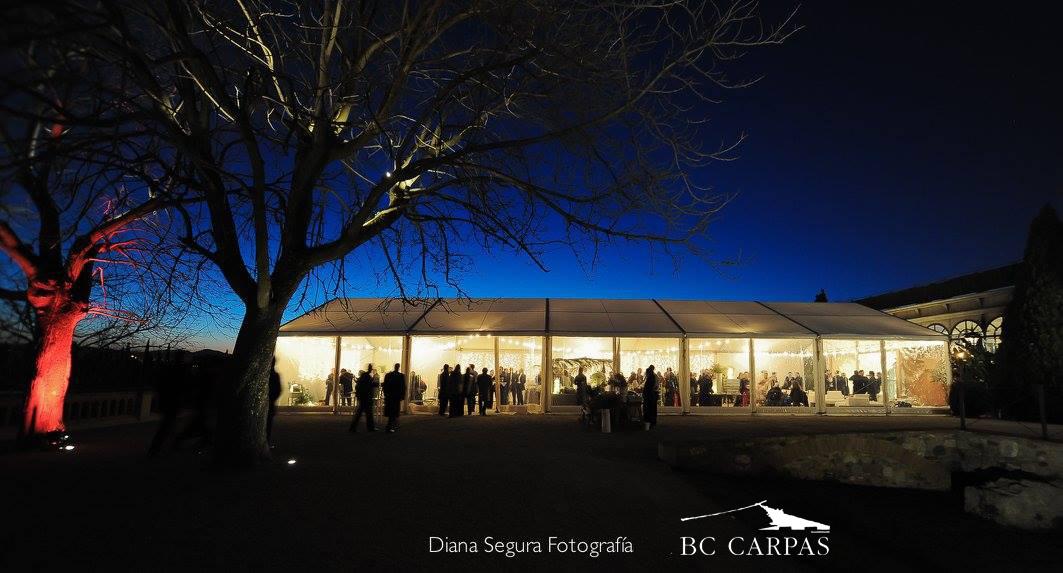 Una boda de invierno con carpa blanca bc carpas for Carpas para el jardin