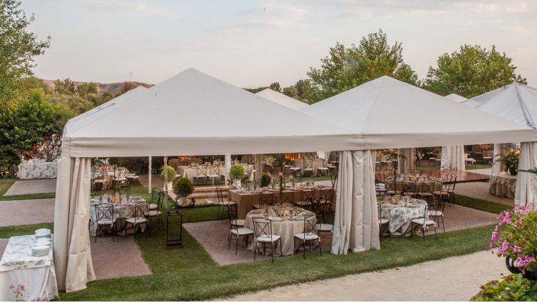 Carpa color crudo para bodas y celebraciones
